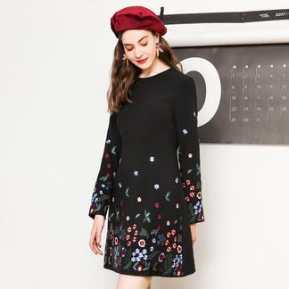 puella2017冬装新款韩版通勤黑色学生圆领长袖显瘦刺绣复古加厚连衣裙女20011275