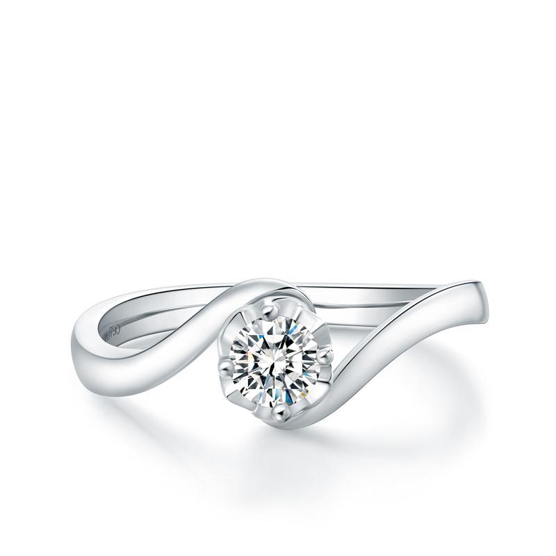 周大福 t mark 唯爱系列18k金镶钻石戒指