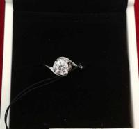 周大福  钻石戒指