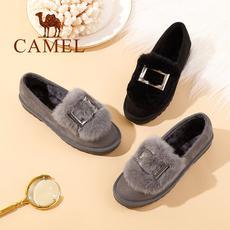 camel 骆驼女鞋 2017秋冬新品 时尚个性兔毛金属方扣平跟舒适绒里单鞋女
