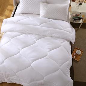 罗莱如意被(面料成份:高支高密磨毛布(聚酯纤维) 填充成份:100%超细纤维(聚酯纤维;填充净重:2000g; 产品规格:200x230cm)